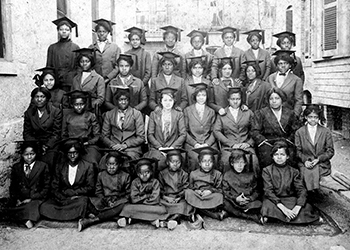 Historical Photo of Graduating Class 1913